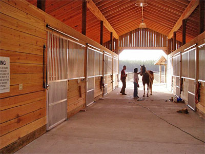 Aluminum horse stalls for Horse barn materials